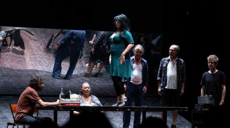 Itaú Cultural lança editais de emergência para financiar artistas durante a quarentena